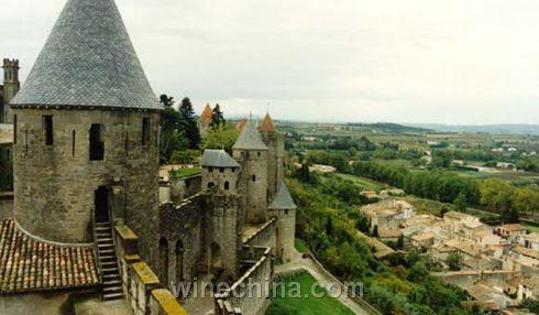 普罗旺斯、图卢兹、卡尔卡松等地,是法国人的度假之所.法国