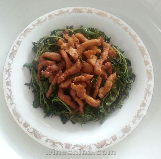 之味菜谱(137):歌罗堡干红葡萄酒2010配花椒芽炒肉丝