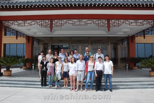 OIV国际葡萄酒管理硕士班赴贺兰山东麓产区考察学习
