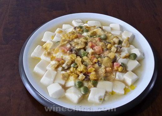 之味菜谱(182):拉复酒庄Chateau Lafon干红葡萄酒配蟹黄豆腐煲