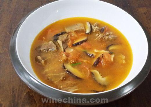 之味菜谱(183):巴亚图酒庄Chateau Barateau干红葡萄酒配菇香番茄羊肉