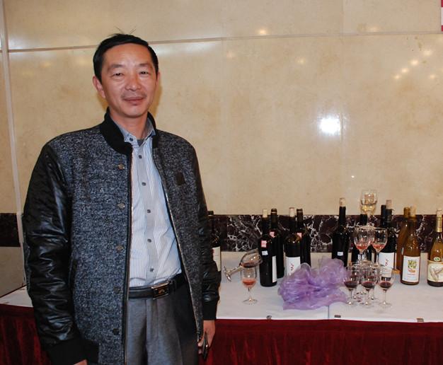 寄语杨凌(20)元森葡萄酒业总经理张军有:祝葡萄酒学院培养更多的优秀人才
