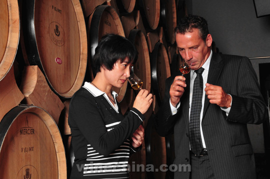 Chinese Winemakers (74) Zhang Baochun:A winemaker who dares to challenge herself