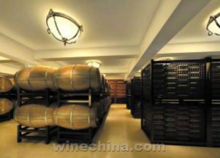 唐庭霞露酒庄:打造天山北麓示范酒庄