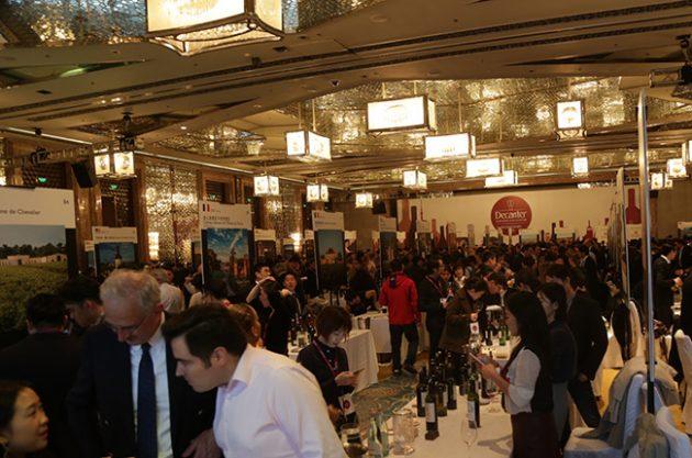 Wine lovers meet 'heroes'at biggest Decanter Shanghai Fine Wine Encounter