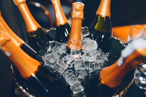 香槟酒的成名之路