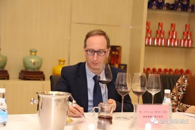 法国国家品鉴酒协会主席布什先生来金士酒庄考察