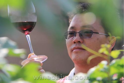 【品质十年】金牌酿酒师(9)吴鸿福:酿酒师要敢于创新与尝试
