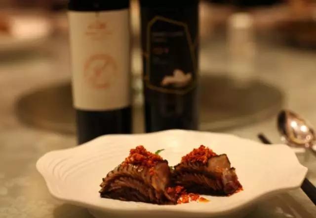 """国产葡萄酒的中国味:一个90后的""""筷子与刀叉""""佐餐之战"""