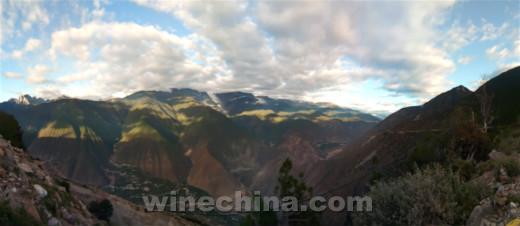 2017葡萄园报告()西南产区:走近香格里拉德钦高原采收季