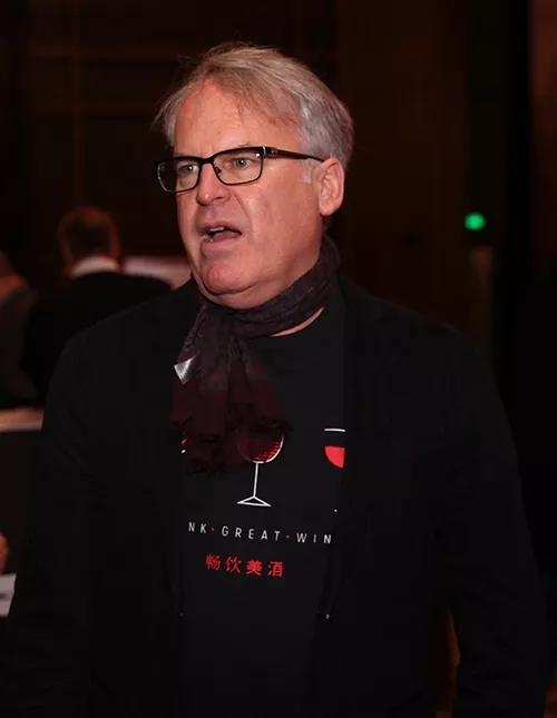 专访著名酒评家詹姆斯.萨克林James Suckling先生