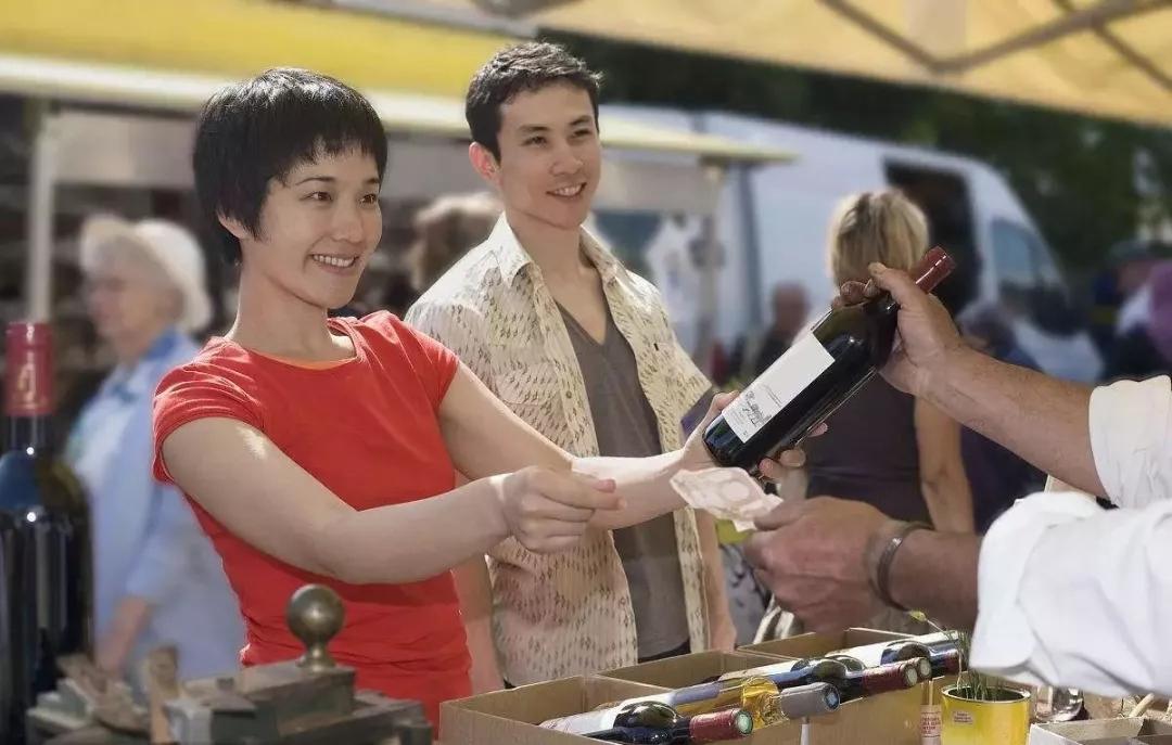 消费升级与消费降级同步出现,葡萄酒企该如何应对?