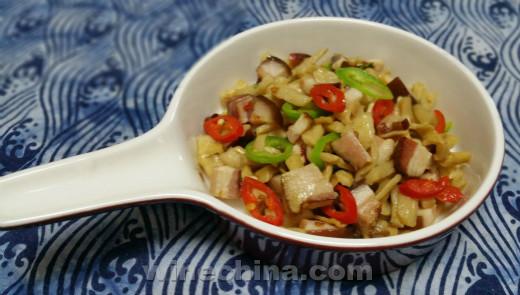 【之味菜谱】(268)中餐配国酒:萝卜干炒腊肉・配留世赤羽红葡萄酒