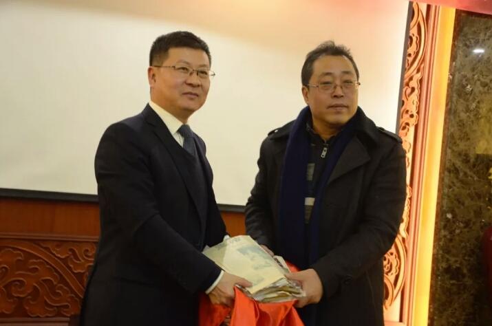 张裕酒文化博物馆于波馆长与陈庄先生