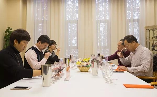 中国顶尖葡萄酒专家助力贺兰山东麓葡萄酒品牌发展