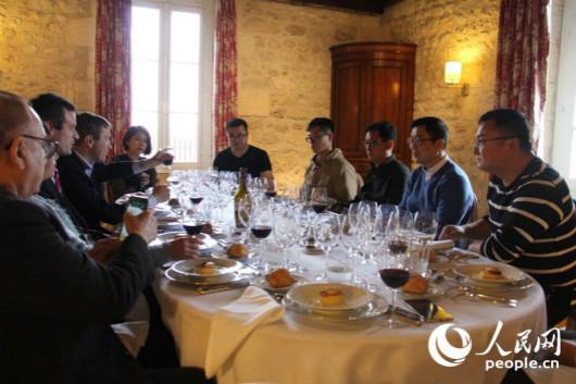 中法精品酒庄论坛在法国成功举办
